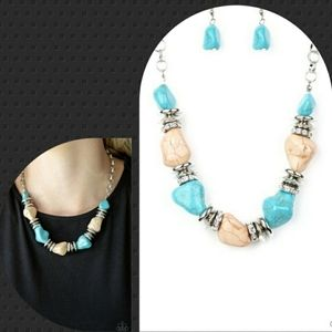 Turquoise and cream cracked stone necklace with ea